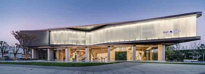 Waving Ribbon Sales Center by Kris Lin and Jiayu Yang