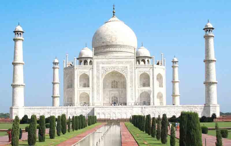 Taj Mahal Agra monumental scale